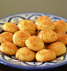 Cake-like cookies flavored with honey and lemon zest
