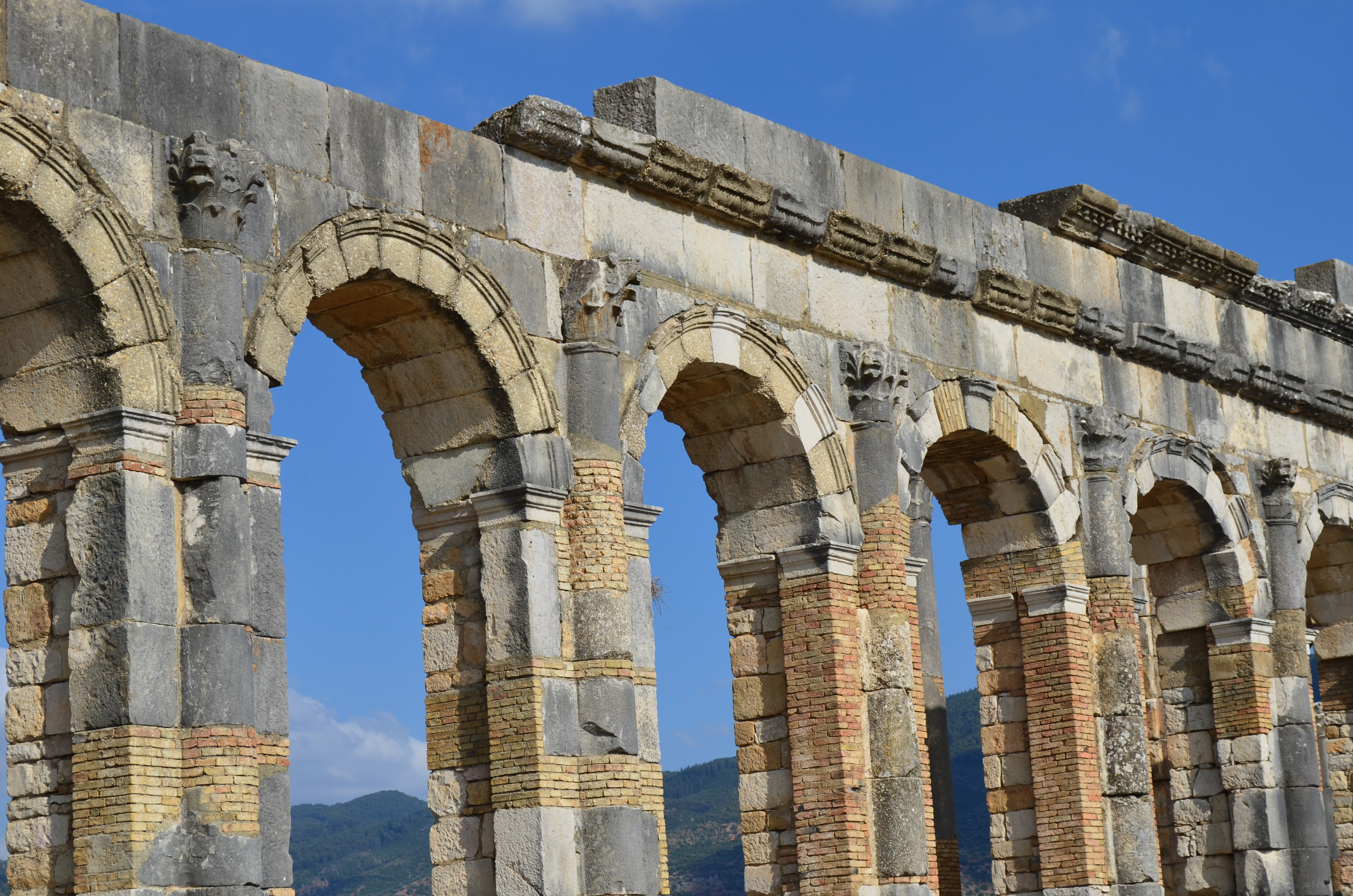 Volubilis – Ancient Roman Ruins in Morocco Are Worth a Visit
